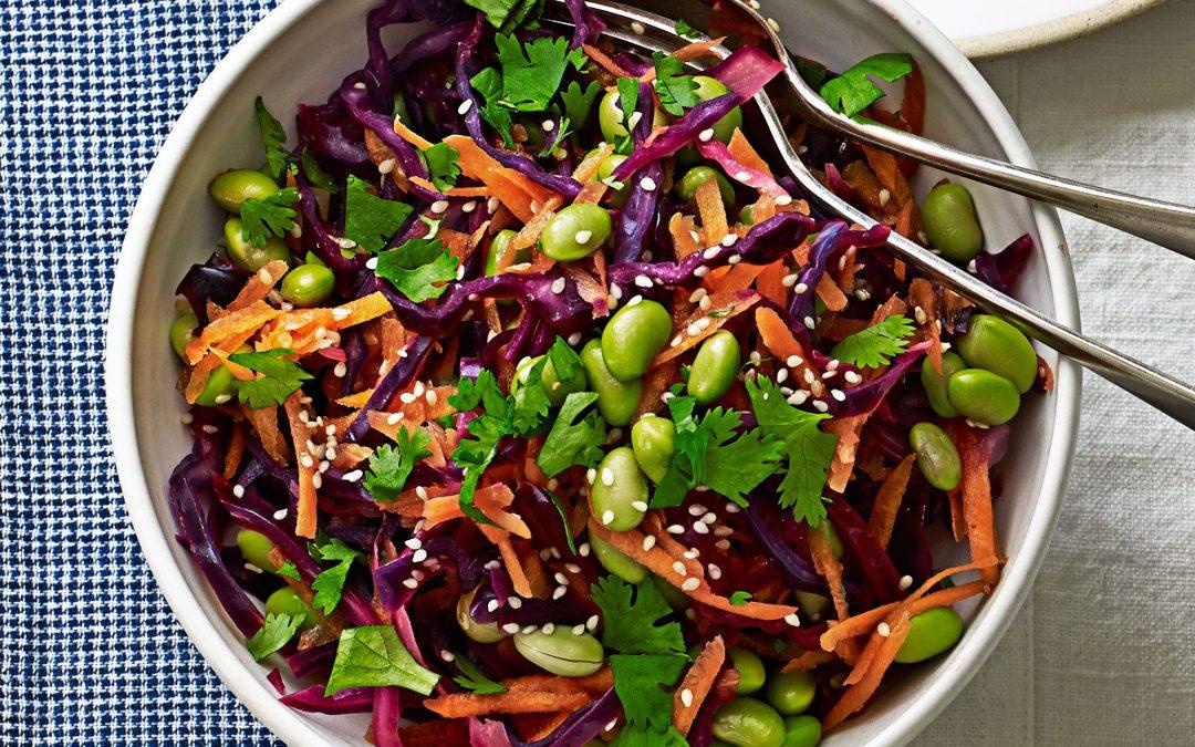 Red cabbage, edamame & carrot salad with lemon & sesame dressing